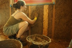 Mehr als nur Matsch - Lehm als ökologischer Baustoff bei der Verarbeitung