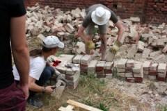 Steineklopfen und sichern